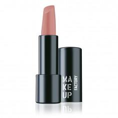 MAKE UP FACTORY Помада полуматовая устойчивая для губ, 225 нюд / Magnetic Lips semi-mat & long-lasting 4 г